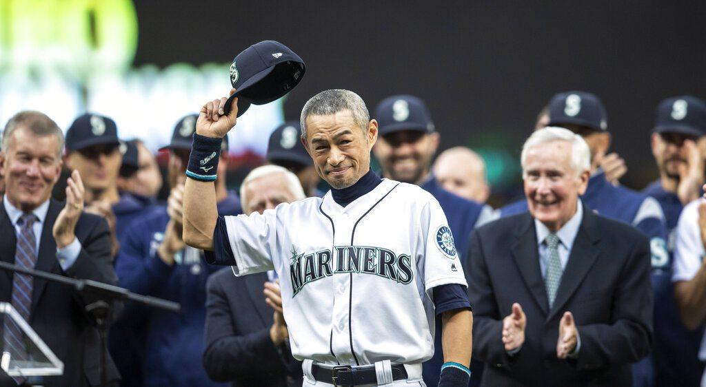 退役的日本傳奇球星鈴木一朗今天獲頒西雅圖水手隊「終身成就獎」。 美聯社