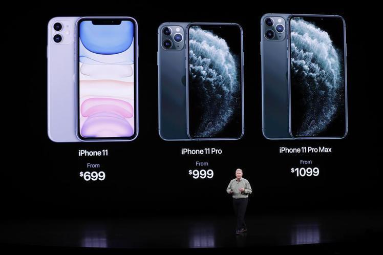 Youtuber劉沛在影片中分析這次蘋果新機的優缺點。 歐新社