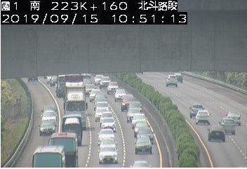 國1北向228.3K4小客車追撞事故回堵2公里。圖/高公局提供
