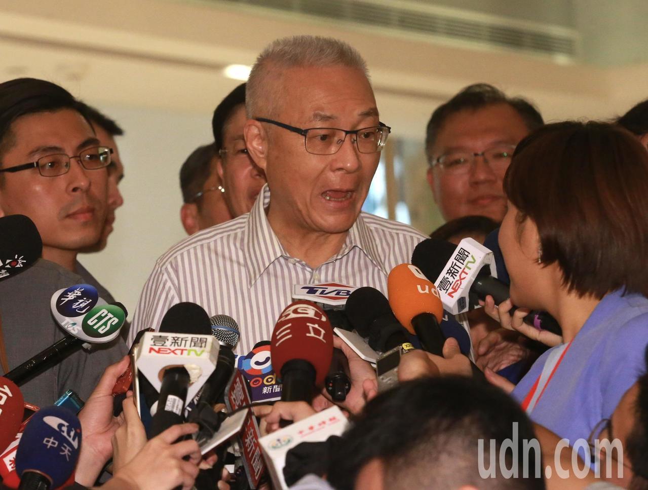 國民黨主席吳敦義被問到有沒有聯絡上郭台銘,又如何挽留郭台銘則說,我不能多講。記者...