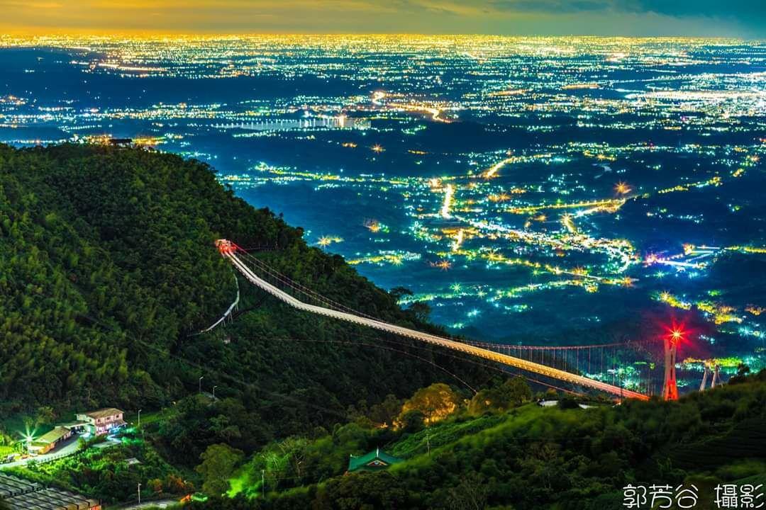 夏日的太平雲梯可拍出百萬夜景。圖/郭芳谷提供