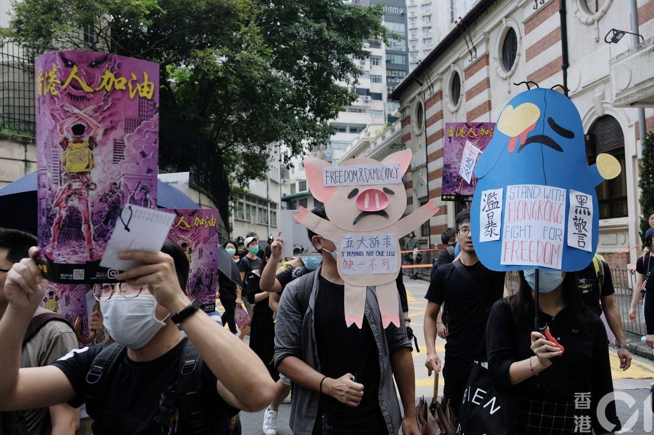 香港示威者要求港府回應民間五大訴求。照片/香港01