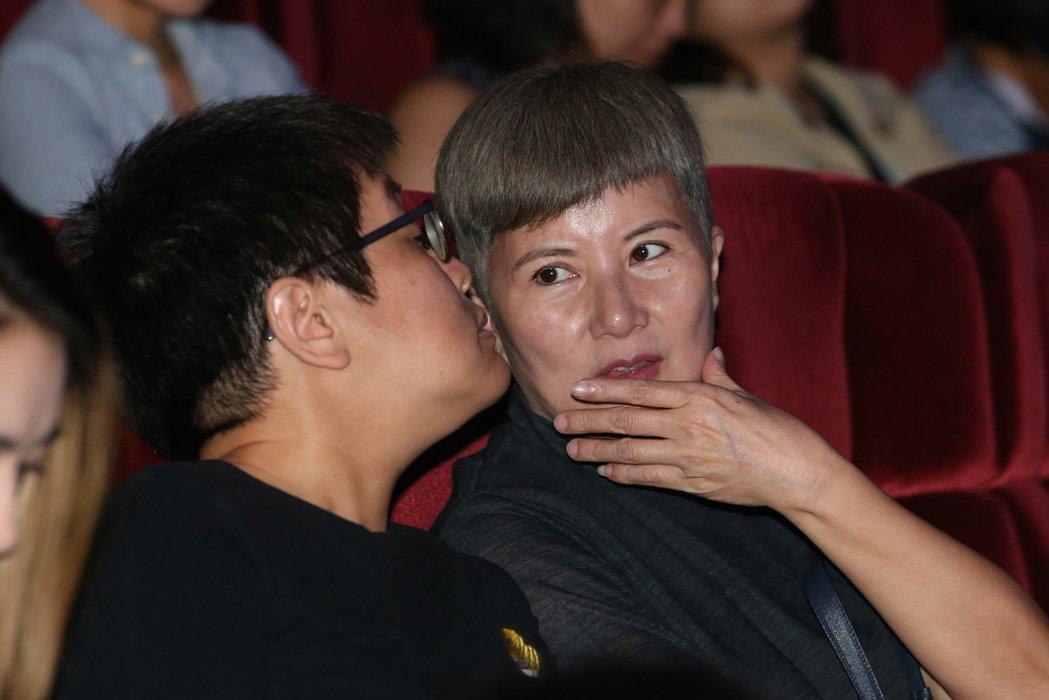 李烈(右)今天出席雷光夏《昨天晚上我遇見你》演唱會。記者葉信菉/攝影