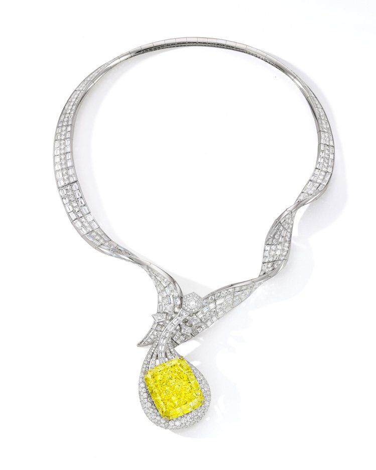 ANNA HU絲路音樂系列敦煌琵琶黃鑽項鍊,預估約2億元。圖/ANNA HU提供