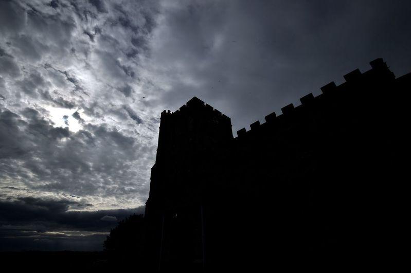 英國白金漢郡的聖瑪莉教堂提供訪客留宿,每人只要付約台幣1,900元,就能在中世紀教堂住一晚。 (法新社)