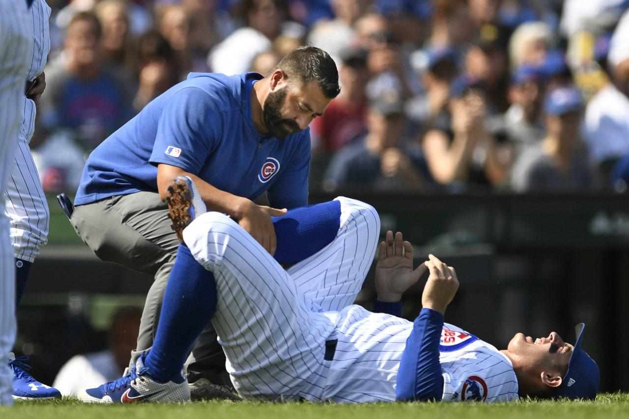 小熊雖然贏球卻折損大將,瑞佐在處理短打時,緊急煞車接球不慎「翻船」扭傷腳踝,痛的...