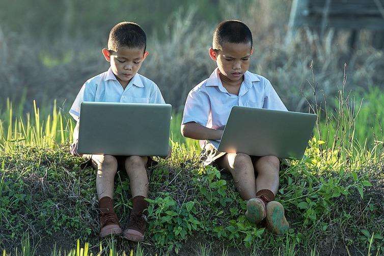 網路世界好危險?孩子說:「外面的世界更可怕!」