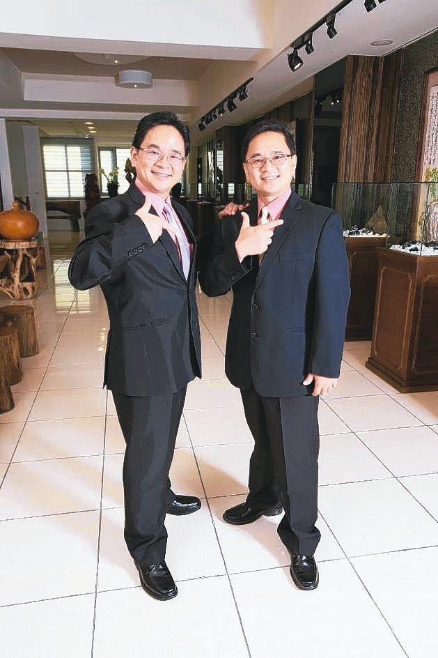 盈錫建構智慧製造系統,執行副總巫有捷(左)與總經理巫有崇是最大推手。 盈錫/提供