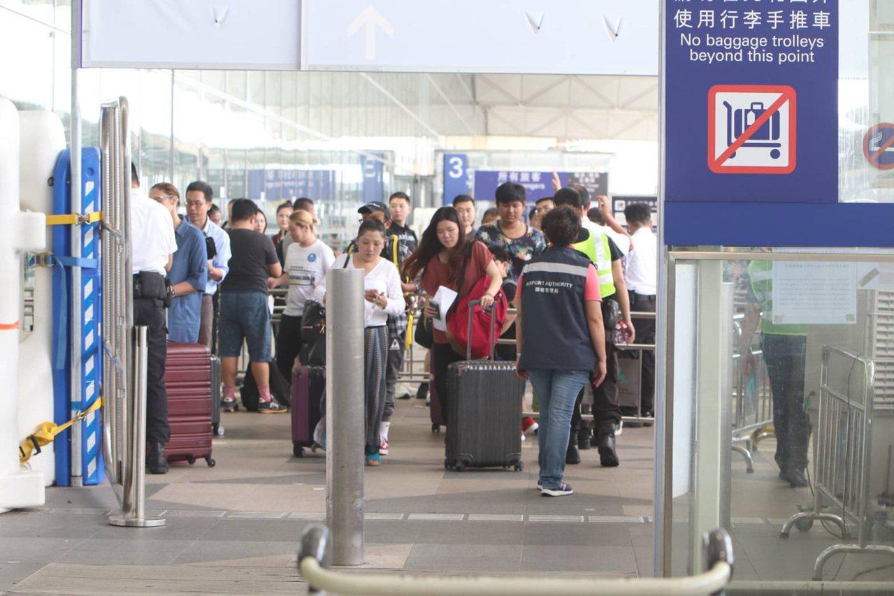 香港機場8月客運量較去年同期下跌12% 中央社