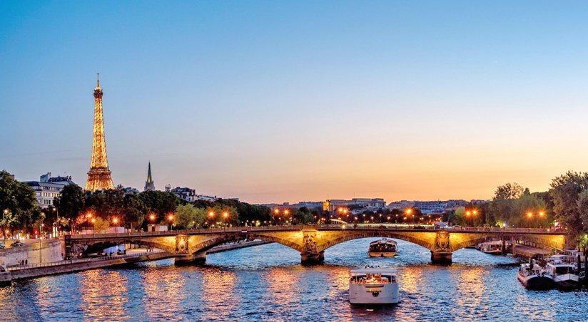 無論是大英博物館、凡爾賽宮,還是春天百貨、拉法葉百貨公司,拍照、觀覽、購物、休息...