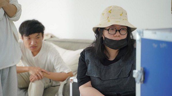 新銳導演李依庭(右)創立的Ushow團隊成員平均不到30但已接洽不少內地大品牌合...