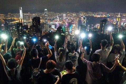 〈願榮光歸香港〉——此刻便是煲底,每個人都是號角