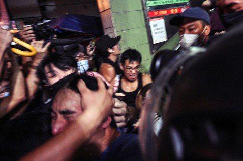 9月15日,香港反送中抗爭運動,在港島的北角、炮台山一帶出現了大批「福建幫」、港...