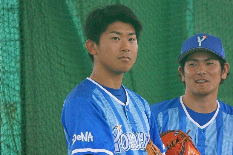 橫濱DeNA先發投手今永昇太(左)揮別去年的低潮,本季有望奪得生涯首座個人獎項。...