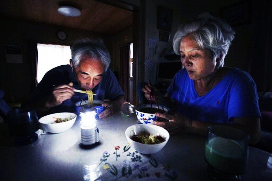 「停電再持續下去,後果恐怕不堪設想...」令日本社會疑惑不解的是,為什麼這次停電...