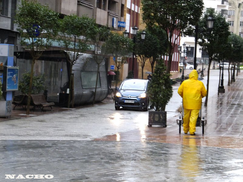 西班牙東南部大雨,已奪走6人性命。(Photo by Zulio on Flic...