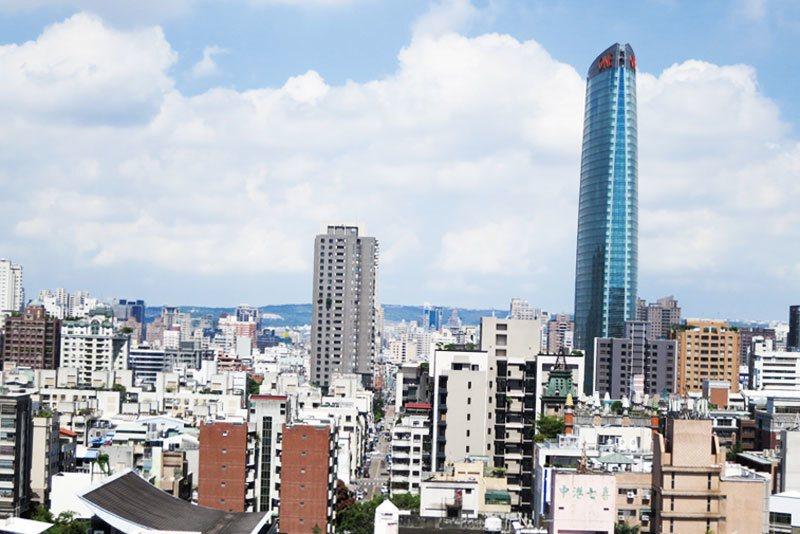以臺北市為例,在二年便劃設85處更新地區面積共計665公頃。