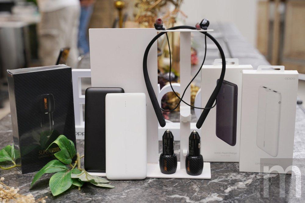 此次展示即將引進台灣銷售配件,包含具備降噪功能的無線藍牙耳機,以及支援VOOC閃...