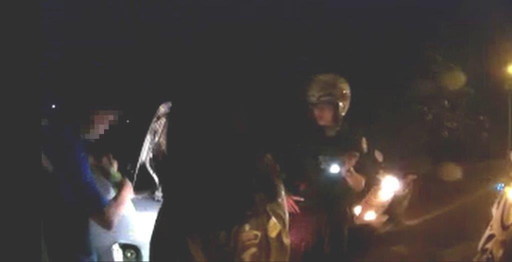 潘姓民眾一家人正要從東港鎮返家至潮州鎮時,因汽車油表損壞,未注意油量不足,導致汽...
