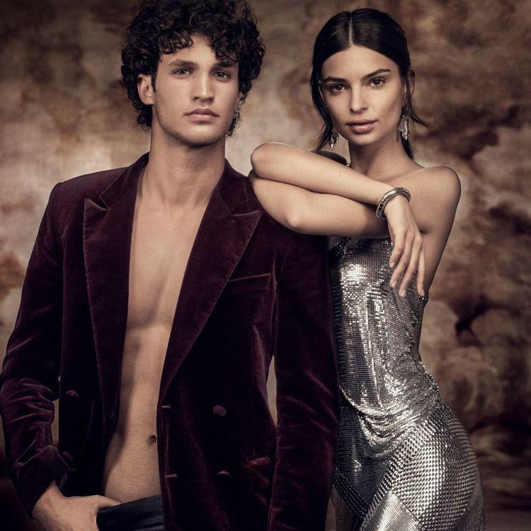 團團微風南山限定販售-PACO RABANNE銀色洋裝,價格店洽。圖/團團提供