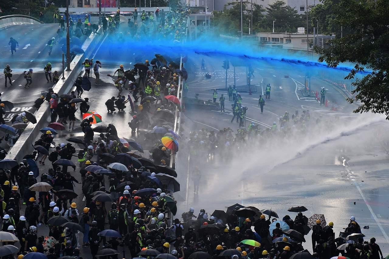 香港反送中運動進入第15周。民眾無視警方禁止「民間人權陣線(簡稱民陣)」發起的遊...