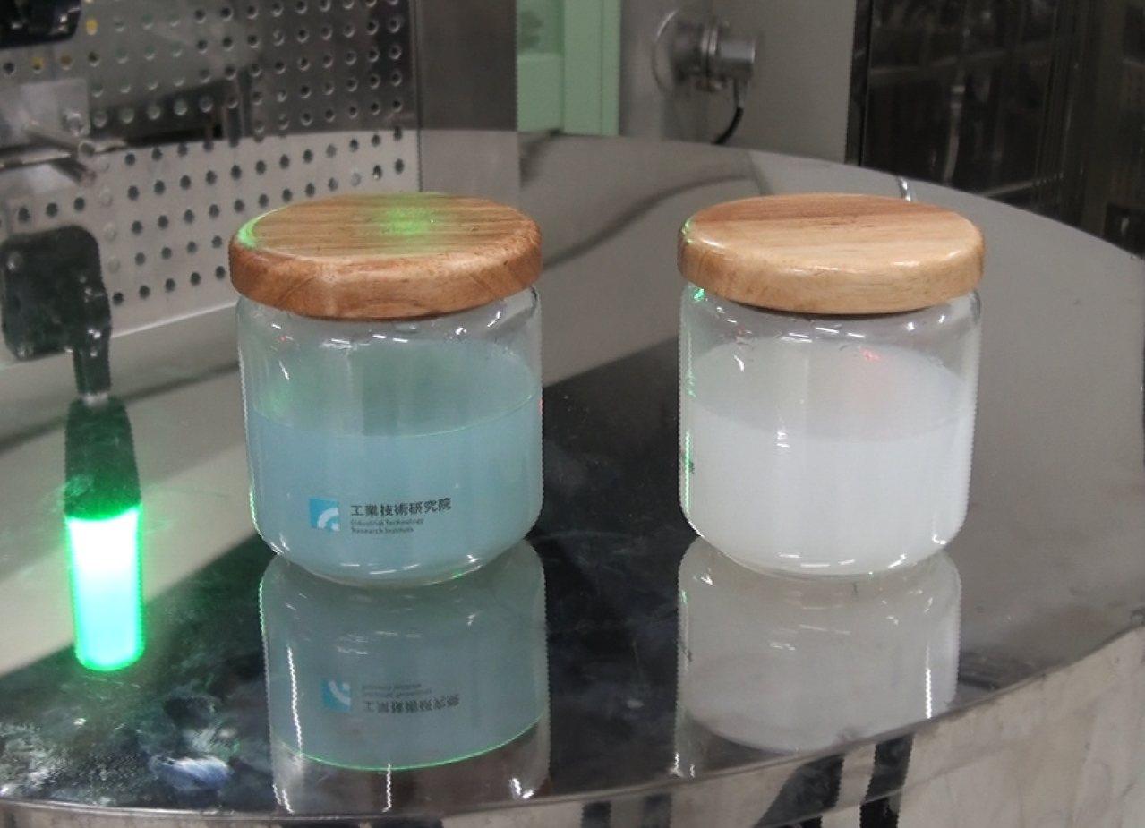 群創首創全球第一個廢液晶回收。群創/提供