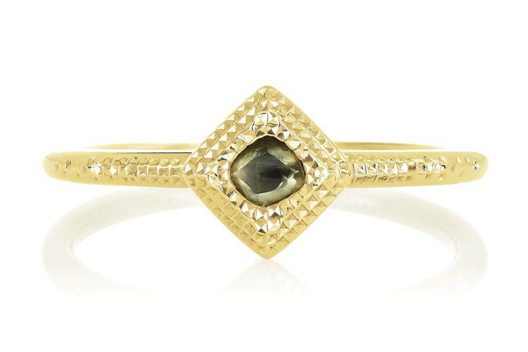 De Beers Talisman 18K黃金鑽石原石戒指,飾有一顆約0.15克...