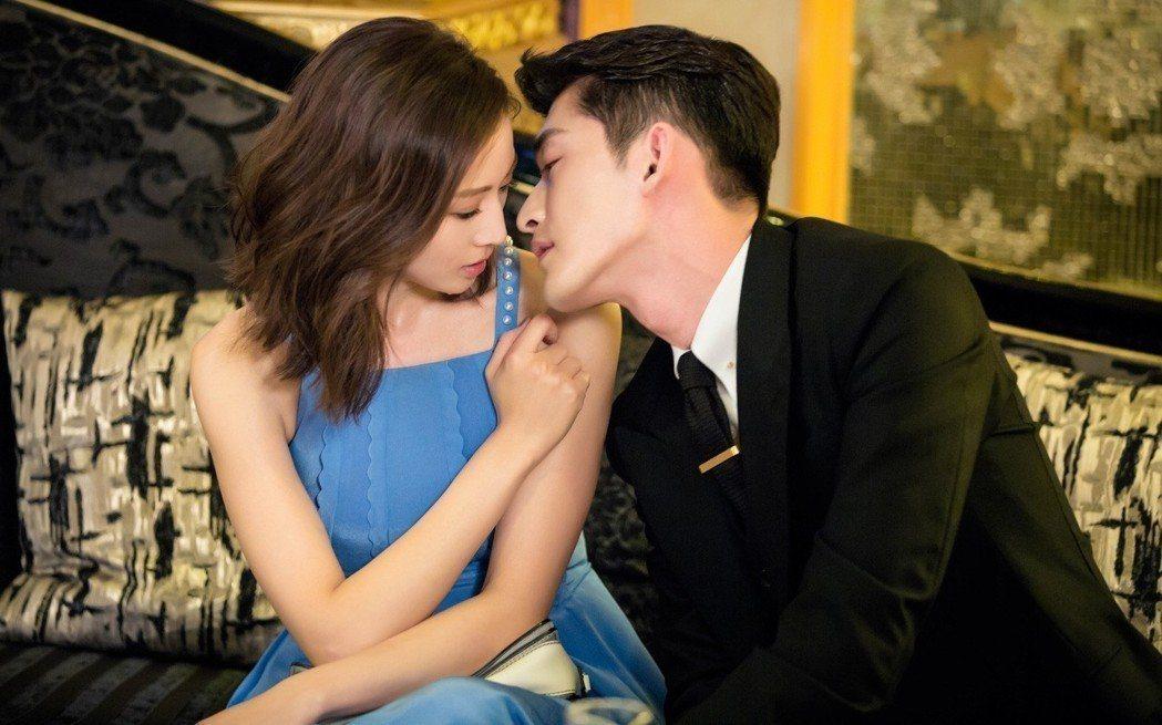 張翰(右)與張鈞甯在「溫暖的弦」中有許多親密戲。圖/八大提供