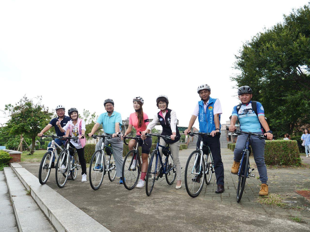 新竹縣政府響應單車生活並結合觀光特色產業,將於11月10日號召千人同騎「Easy...