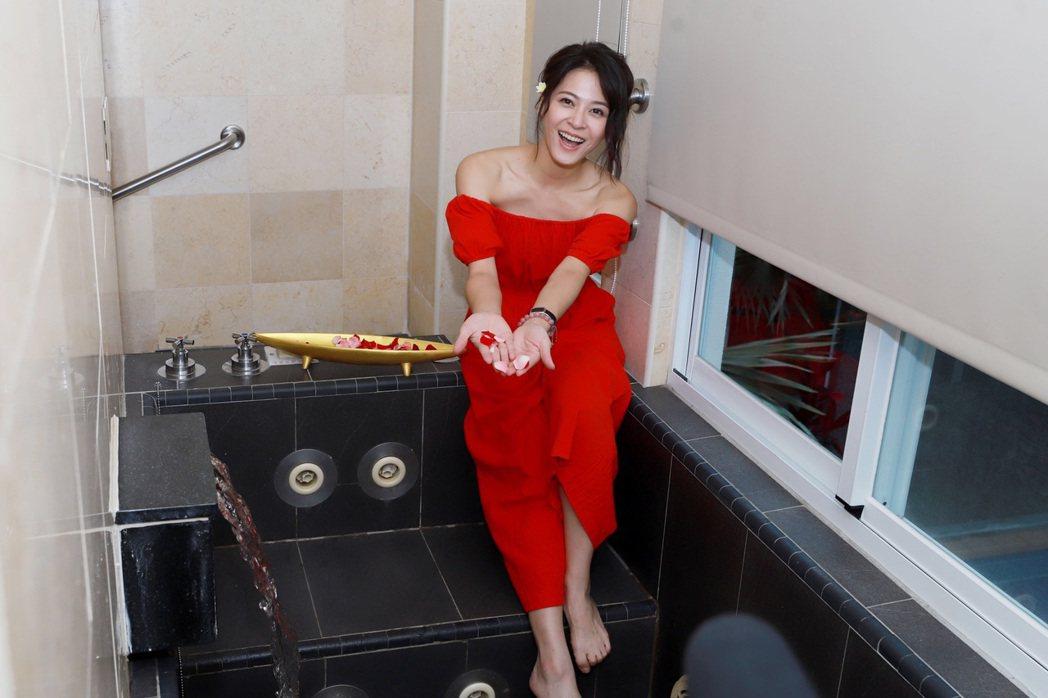 蘇晏霈日前到台東拍攝「多情城市」。圖/民視提供