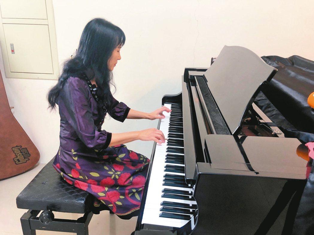 「九二一它完全改變我的生命」,音樂老師謝雙雙(圖)曾以為她的世界就在那夜崩毀;廿...