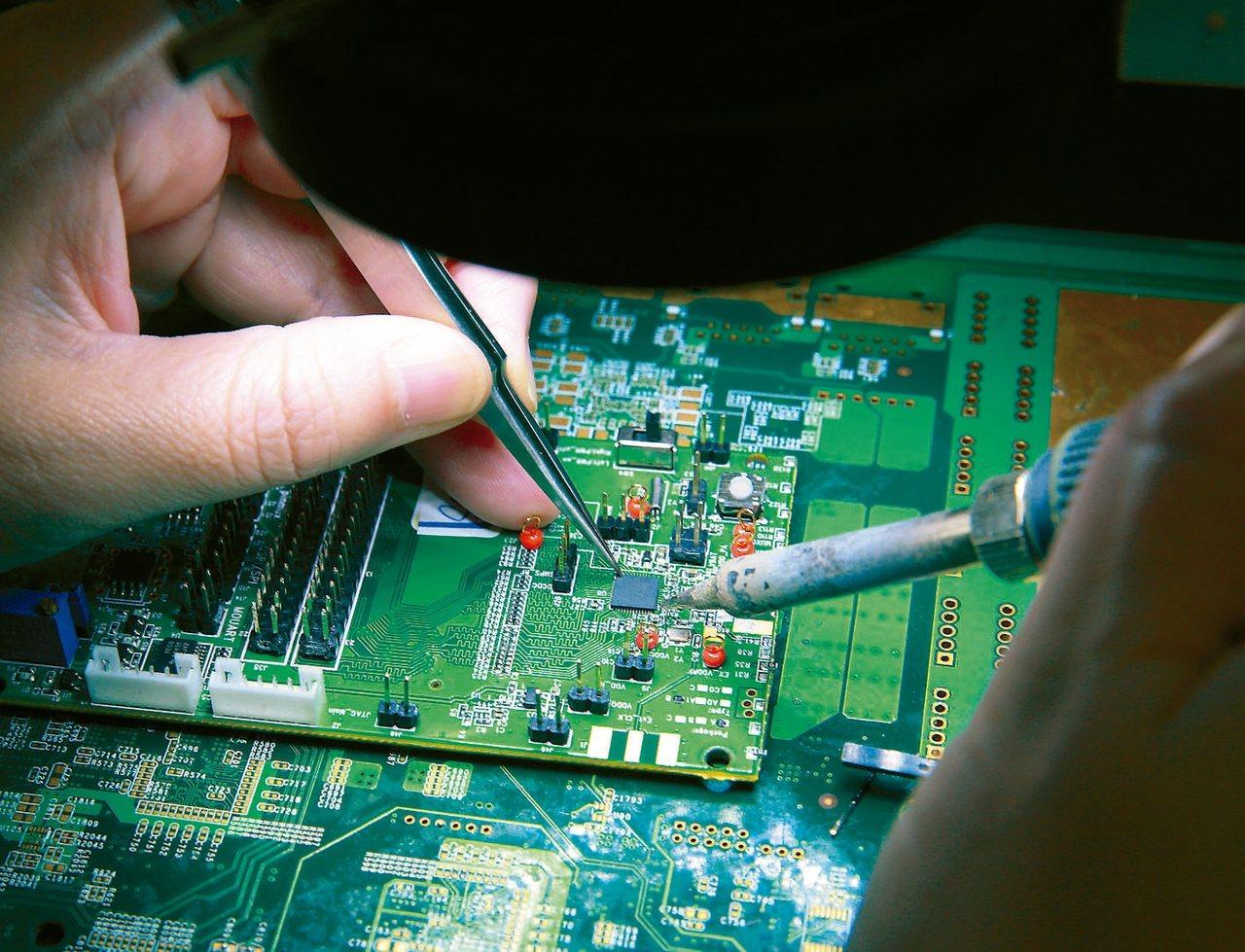 IC設計下半年營運受惠筆電拉貨潮。 圖/聯合報系資料照片