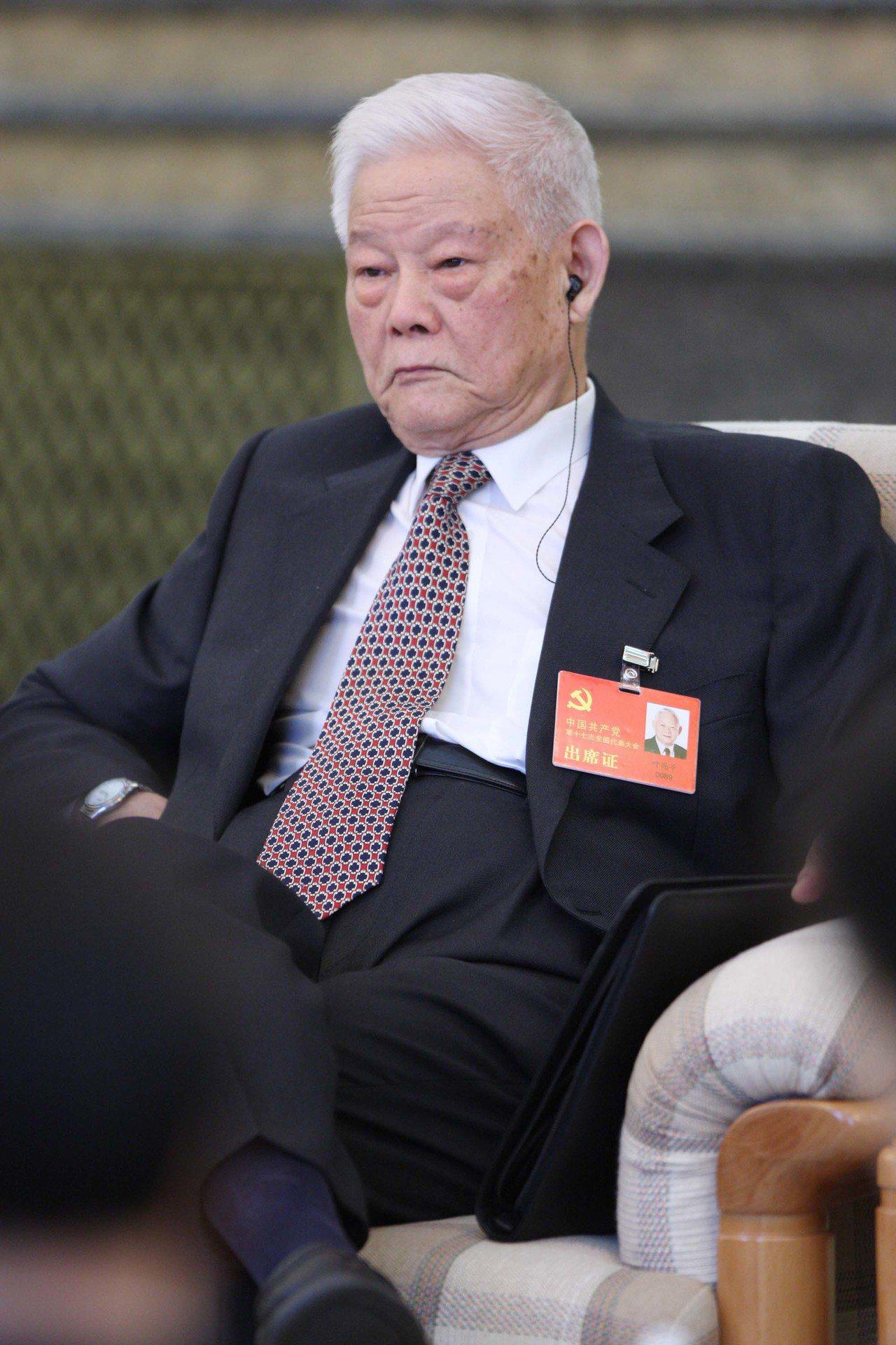 葉選平17日病逝,享耆壽95歲。中新社