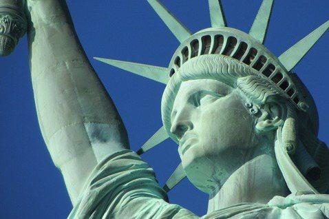 100多年前,紐約「世界報」(New York World)便呼籲公眾為自由女神...