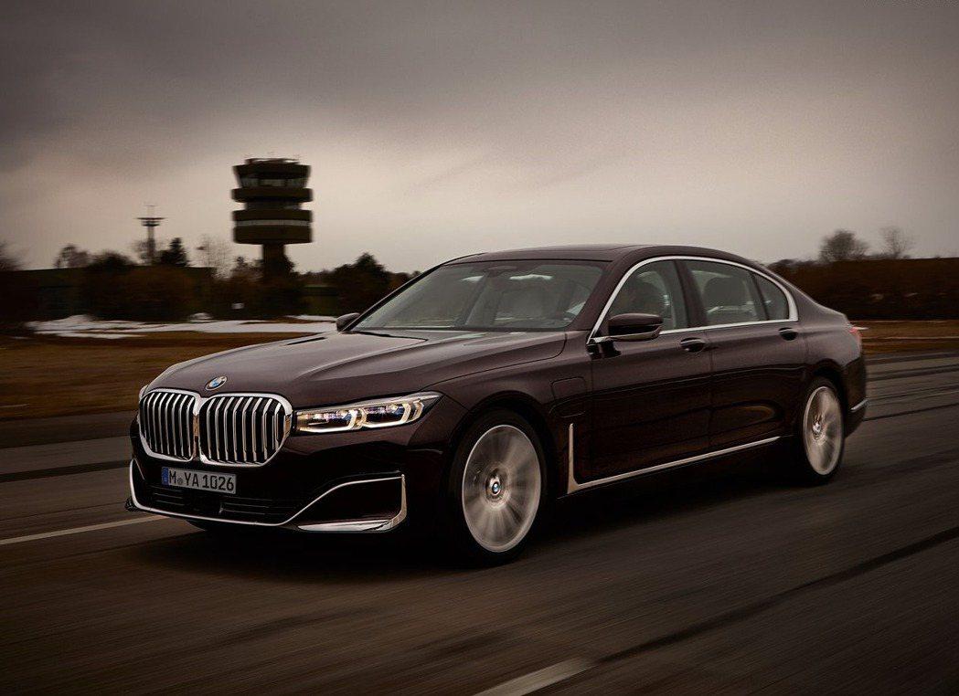 現行款BMW 745Le。 摘自BMW
