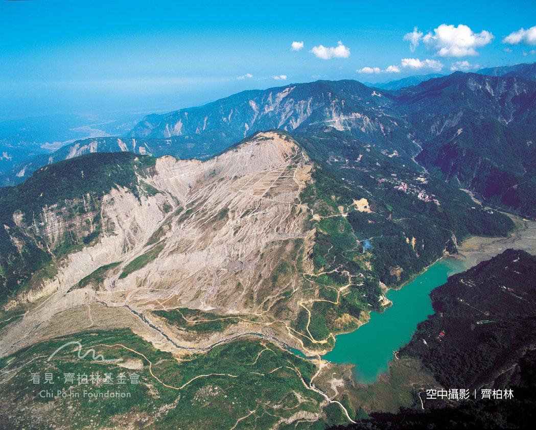 1999年 雲林新草嶺潭2(921大地震後)
