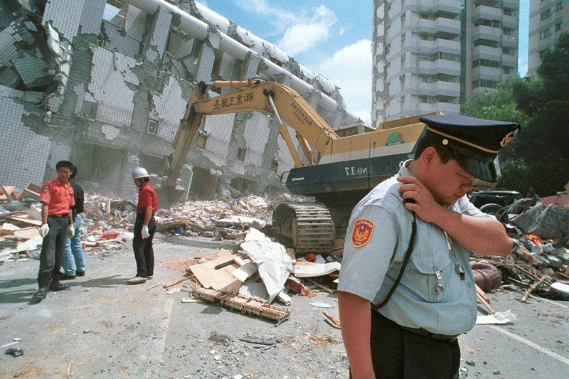攝於1999年9月21日,台中豐原。 圖/美聯社