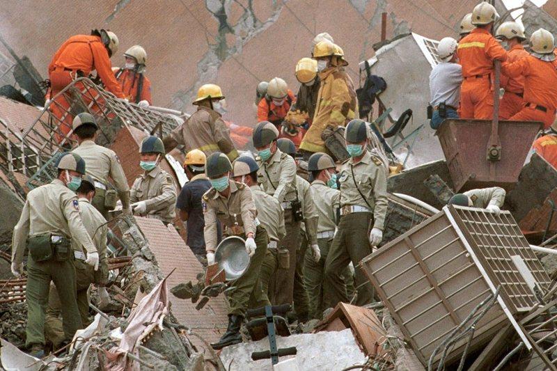 攝於1999年9月23日,台北。 圖/美聯社