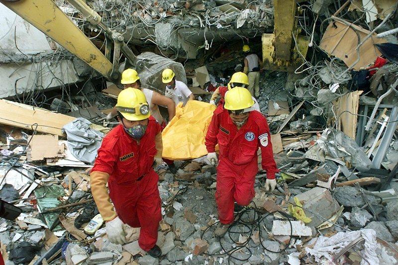 要進行防救災工作的教育訓練,首先必須進行風險溝通,強化風險覺察和提升風險認知。圖...