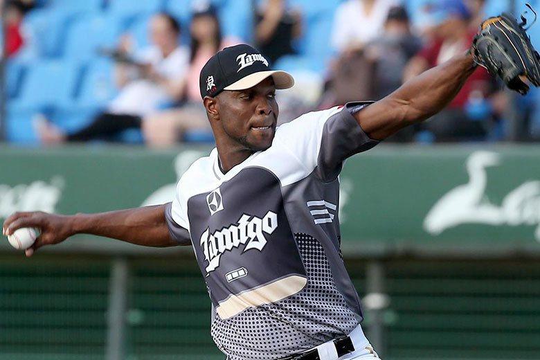 Lamigo先發投手中,目前幾乎是靠李茲一人在撐場面,近20場比賽中,所拿下的5...