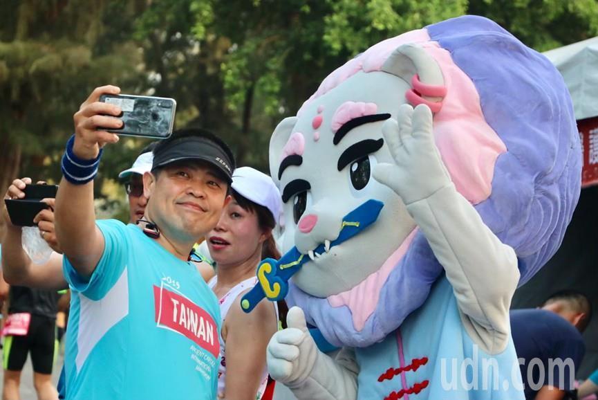 第二代「劍獅寶寶」將參加台南「吉祥物主題周」,行銷安平。圖/安平區公所提供