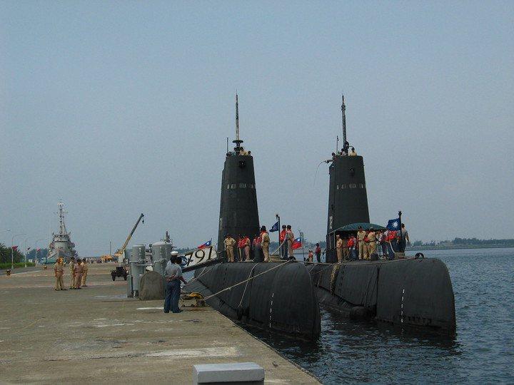 海軍茄比級海獅(左)與海豹(右)潛艦。記者洪哲政/攝影