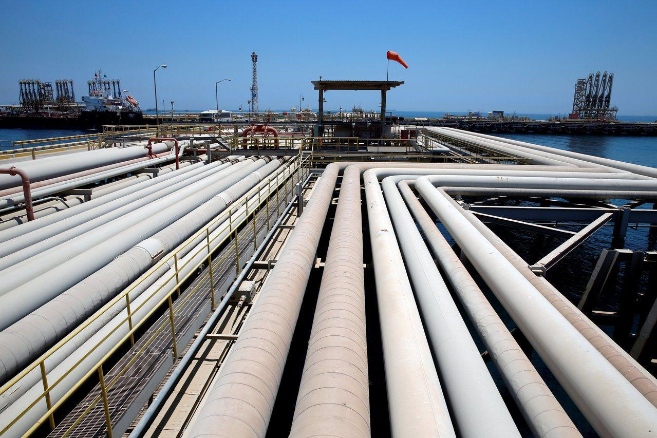 根據美國能源資訊管理局,2018年美國平均每月從波灣地區進口4800萬桶原油及石...