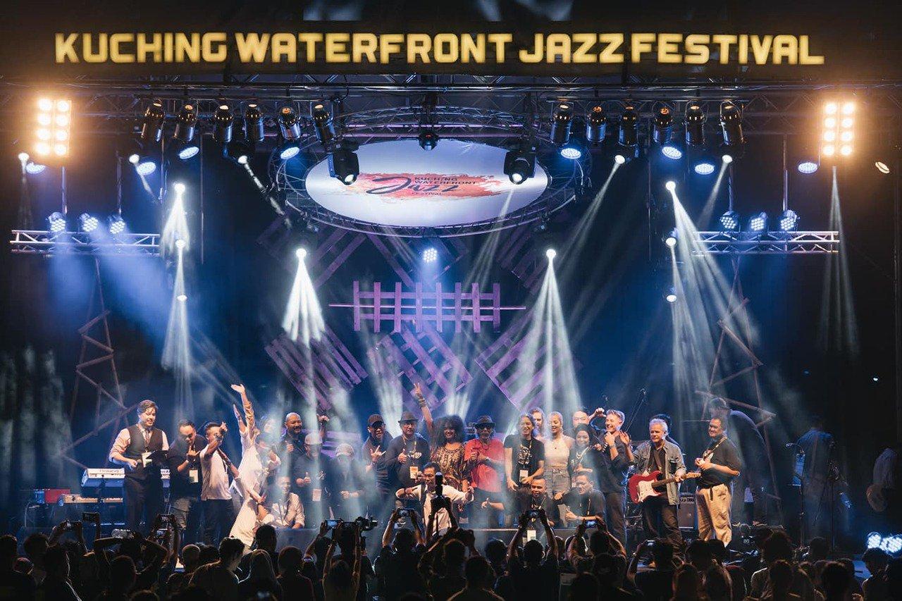 9/28-29的古晉河濱爵士音樂祭,有絢麗的爵士舞台與知名樂團演出。圖/馬來西亞...