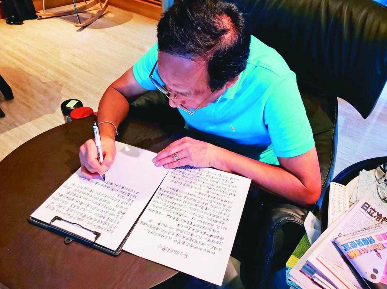 郭台銘12日親寫退黨聲明宣布退出國民黨,原被黨中央痛罵,但在退選2020後,許多...