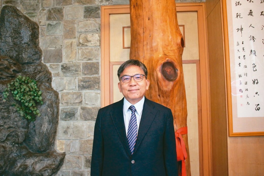 Asahi集團海外事業本部長、台鑽董事長藍敏雄博士,同時擔任集團常務董事。 吳佳...