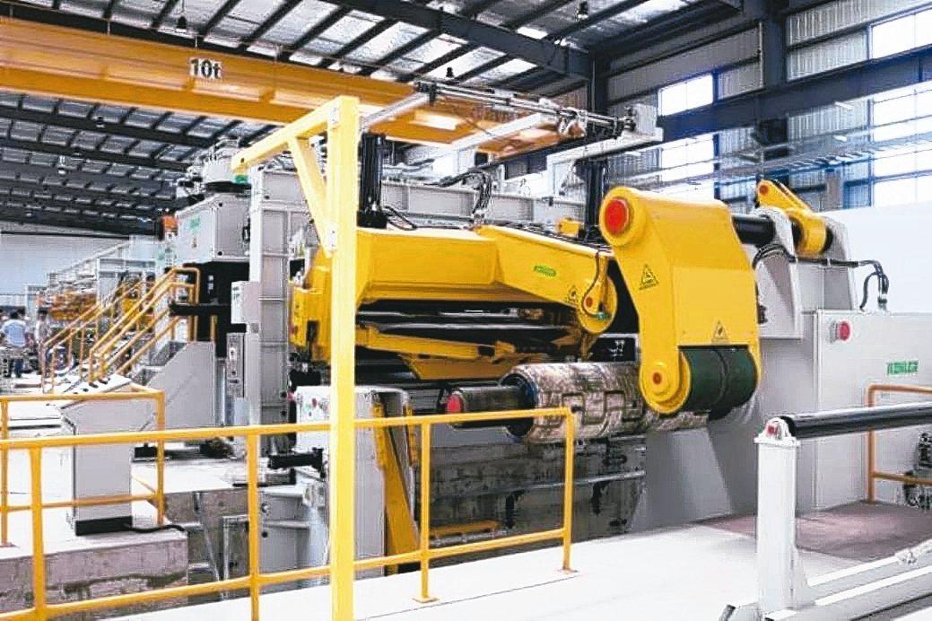 建錩(中國)精密公司引進德製2-12mm精整開平機。 建錩實業/提供