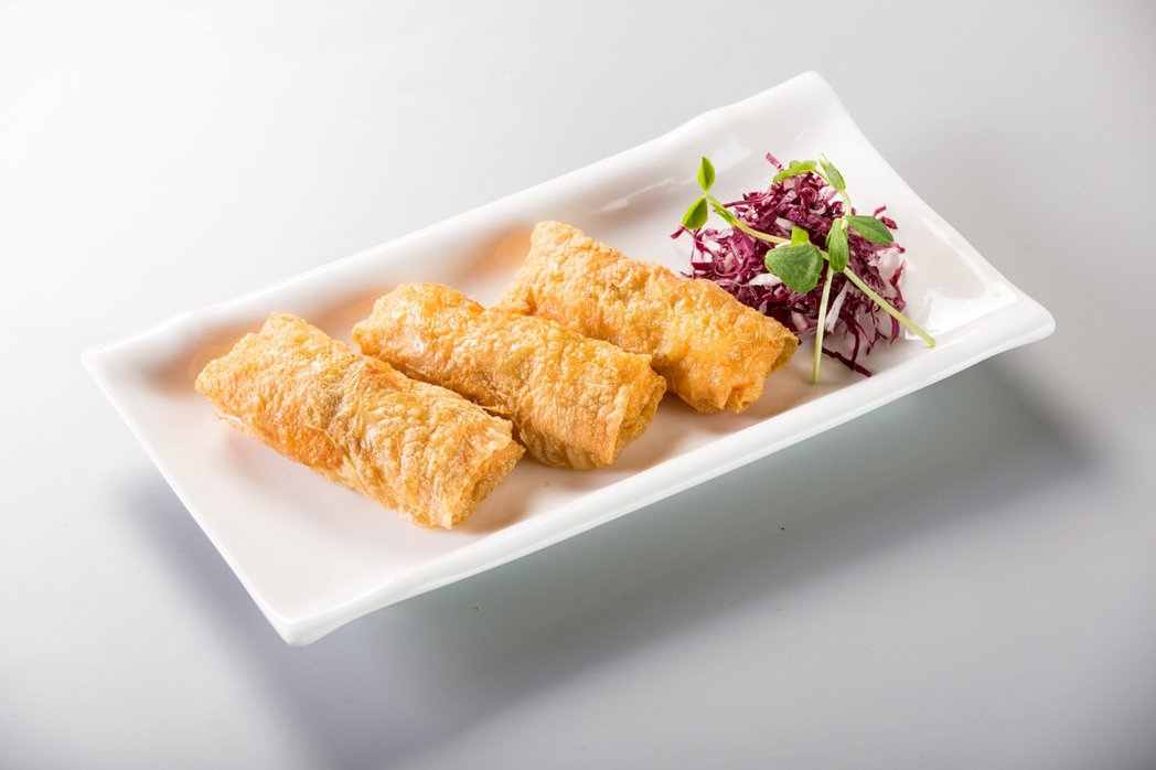 圓山飯店金龍餐廳-鮮蝦腐皮卷。圓山飯店/提供