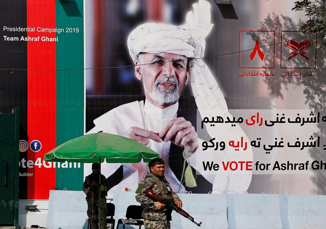 阿富汗即將選舉,塔利班兩起自殺炸彈攻擊奪48命。 路透社