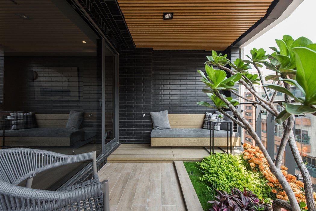植感大院子,豐富了居家生活景致。圖片提供/頂誠建設